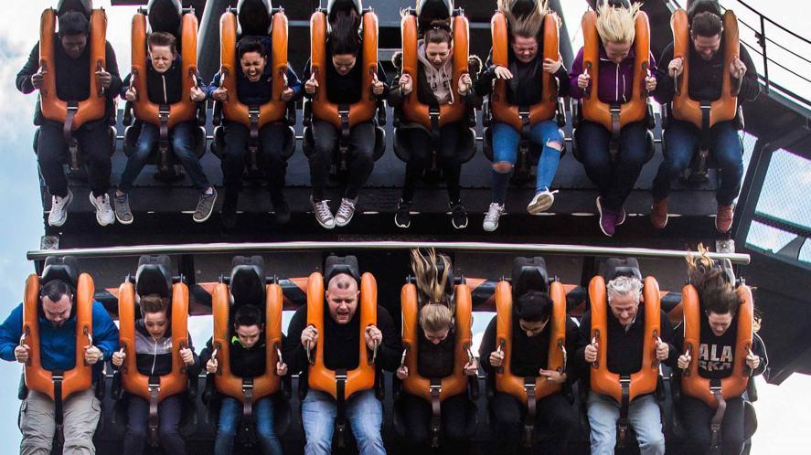 A vertical drop rollercoaster