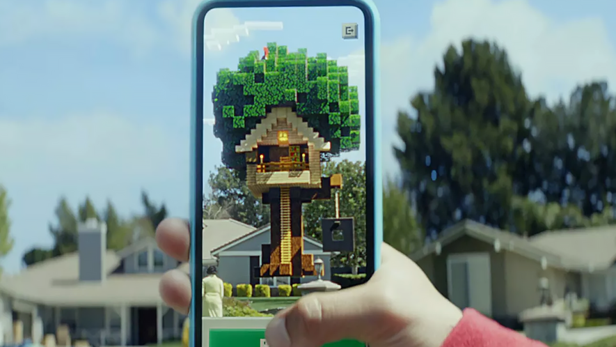 Minecraft Earth treehouse on smartphone