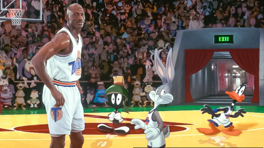 Michael Jordan, Bugs Bunny, Marvin the Martian and Daffy Duck on the basketball court