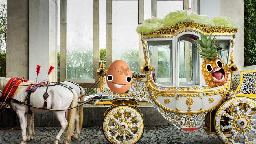 Royal carriage with Beano egg and pineapple