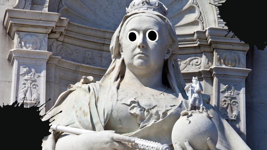 Statue of Queen Victoria with splats