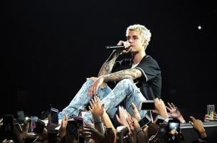 Justin Bieber on the mic