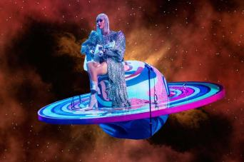 Katy Perry lost in space