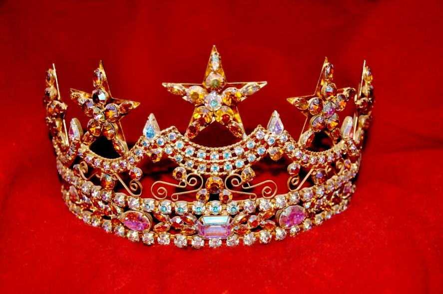 A very sparkly crown