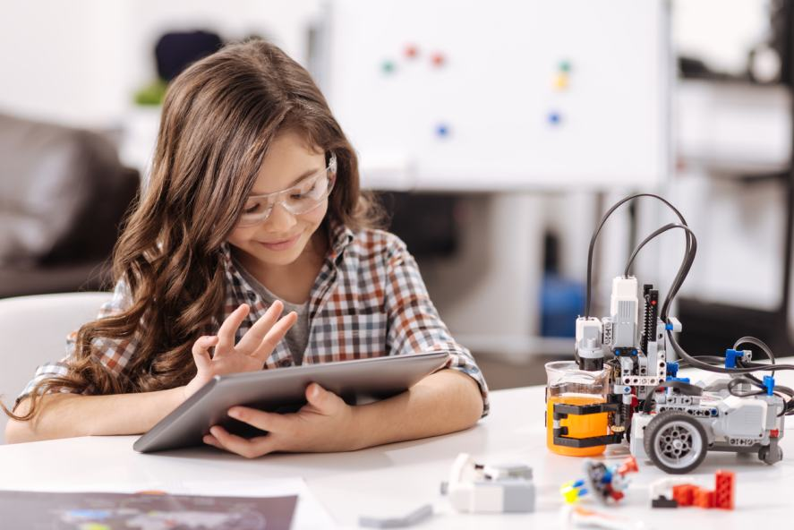 A student learns about technology