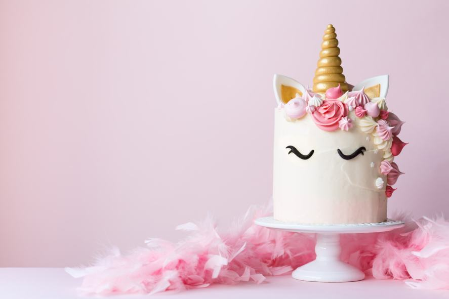 Unicorn cake on a cakestand