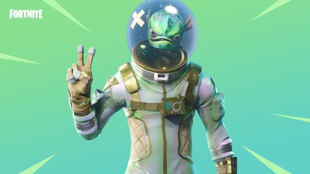 An alien from Fortnite