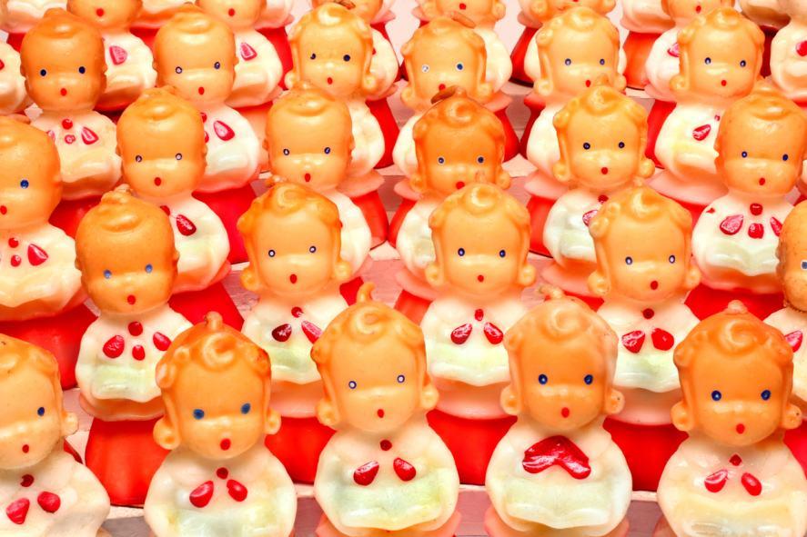 A choir made up of little toys