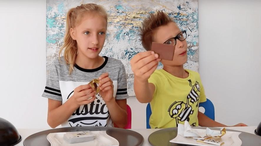 Sis vs Bro take a sweet challenge