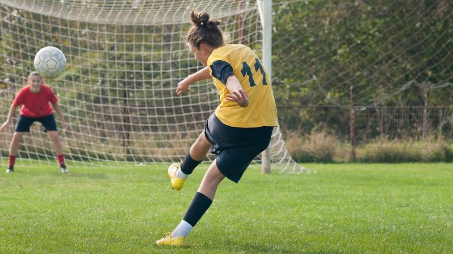 A player taking a free kick