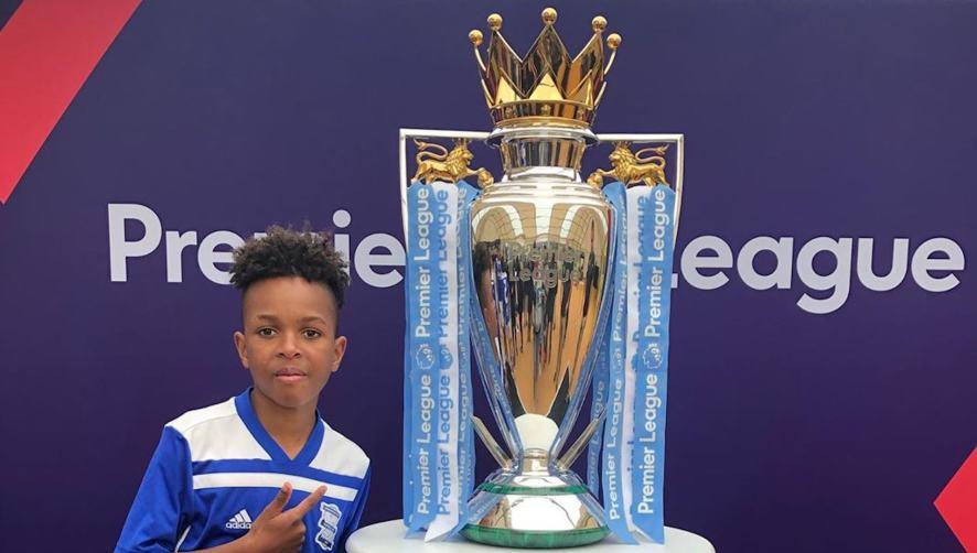 Tekkerz Kid and a big football trophy