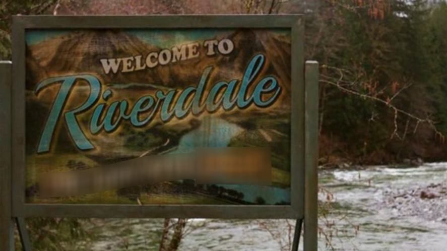 Riverdale town sign