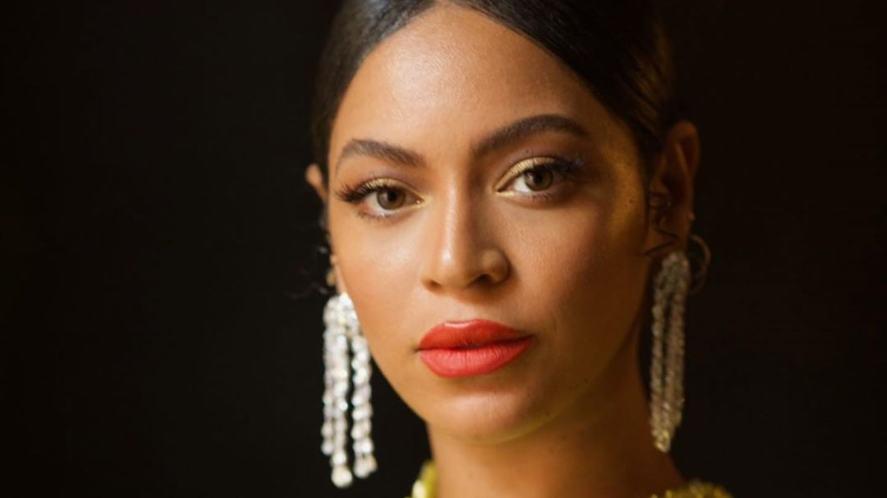 Beyonce looking very glamorous