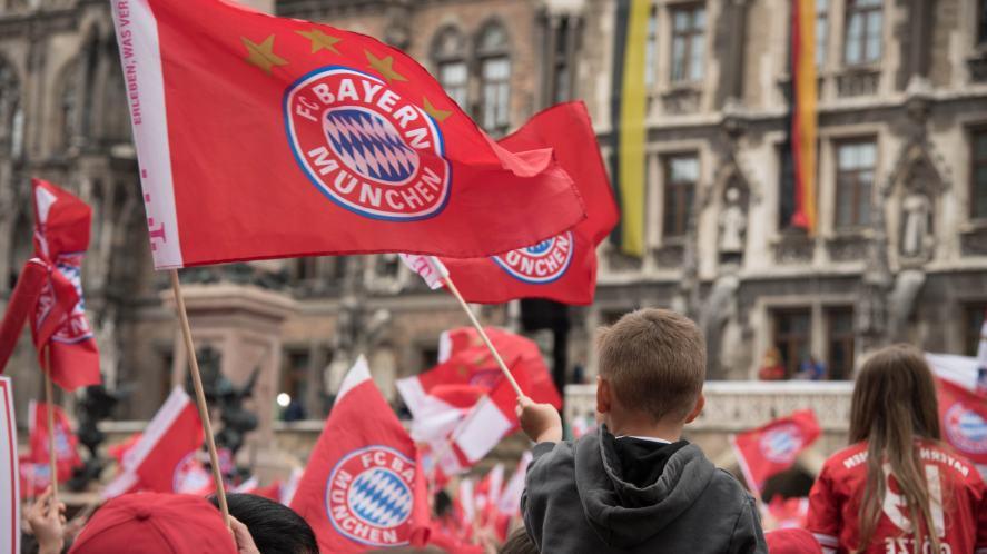 Bayern Munich fans in the street
