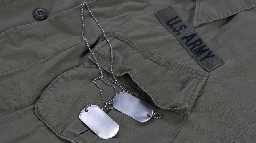 A US soldier shirt and dog tags
